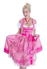 Bayerisches Dirndlkleid: junges Mädchen auf der Wiesn