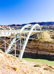 bridge over Lake Powell, Glen Canyon, Utah, USA