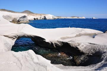 Milos -  plage calcaire