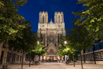 Famous Notre-Dame de Reims at twilight