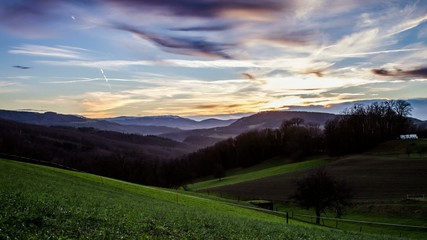 Zeitraffer in dem schweizer Jura gebierge