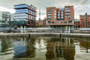 Wohn und Buerohaeuser in der Hafencity Hamburg