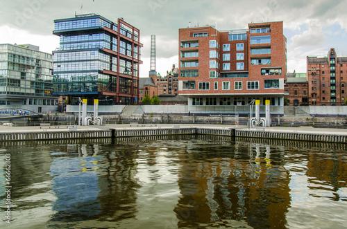 canvas print picture Wohn und Buerohaeuser in der Hafencity Hamburg