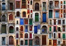 Kolekcja wyblakły drzwi w starym mieście Chania, C