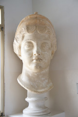 Голова. Скульптура