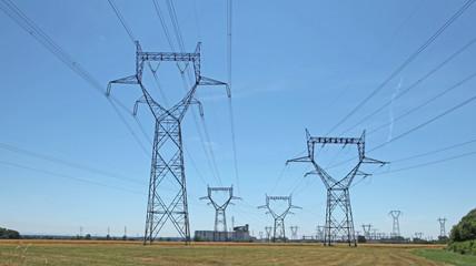 lignes électriques haute tension
