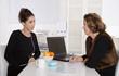 Mittagspause: Zusammenarbeit im Büro - Team Konzept