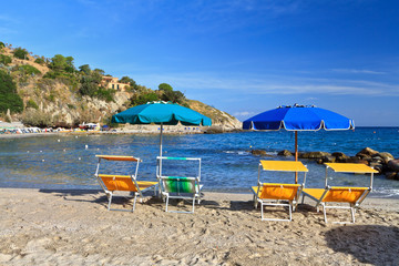Elba - beach chairs and umbrellas