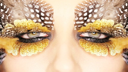 Creative Golden Eye Makeup