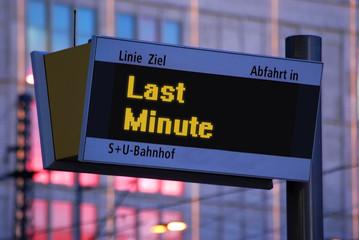 Anzeigetafel 1 - Last Minute