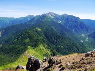 焼岳からの穂高岳方面