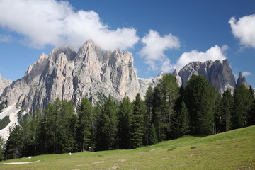 trentino dolomiti paesaggio di alta montagna valle di fassa