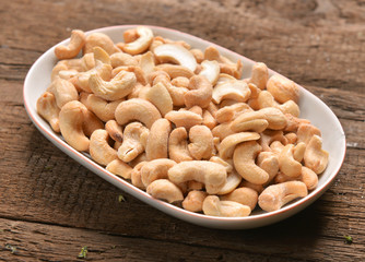 cashew with salt
