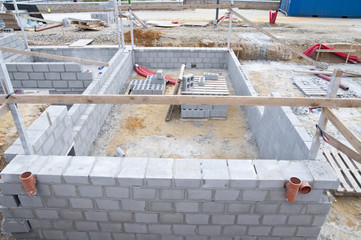 Construction des fondations d'une maison