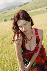 Donna dai capelli rossi