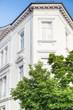 Haus - Altbau und Baum
