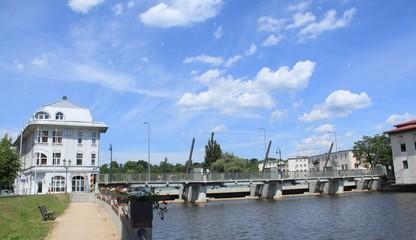 Die Neißebrücke verbindet Guben mit Gubin