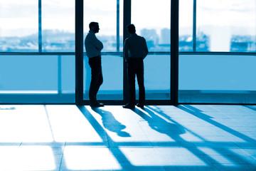 Geschäftsmänner im Gespräch