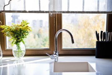 Окно на кухне / The Kitchen Window