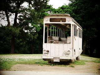 公園のバス