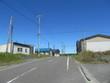 僻地の道と倉庫