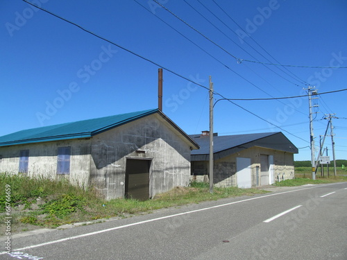 田舎の古い倉庫