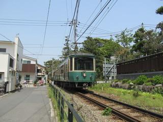 単線の江の島電鉄