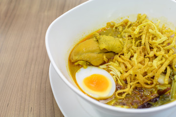 khao soi Thai Crispy Noodle chicken curry
