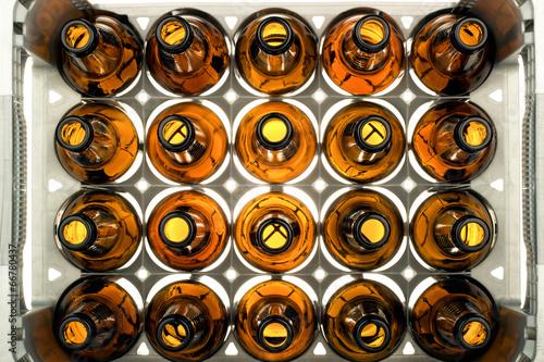 Bierkasten durchleuchtet - 66780437