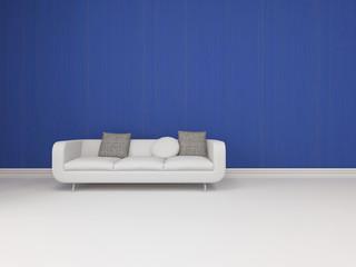 Zimmer mit weißem Sofa vor blauer Wand