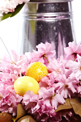 EIer bunt mit Kirschblüten