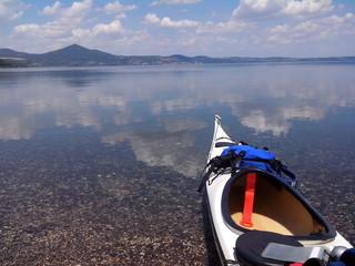 Kayak nel lago di bracciano