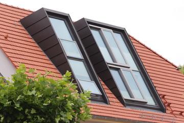 dachfenster an einem haus
