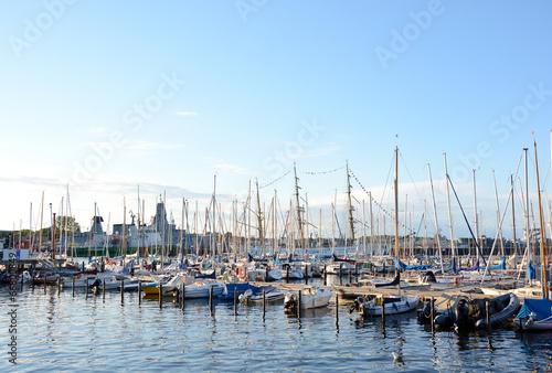 Leinwanddruck Bild Segelhafen