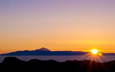 Sonnenunterganf über Vulkan Teide auf Teneriffa