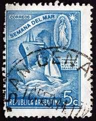 Postage stamp Argentina 1944 Warship, Merchant Ship and Sailboat