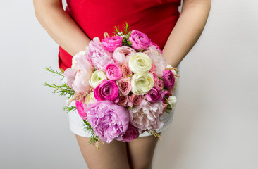showing a bouquet of peonies