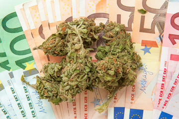 Marijuana and euro notes