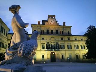 Palazzo Ducale nel giardino ducale di Parma