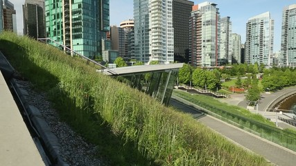 Vancouver Towers, Green Roof