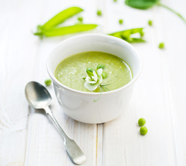 Green peas cream soup