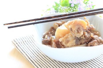 Chinese food, beef tendon simmered with radish