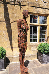 Woman sculpture, Broadway © Arena Photo UK