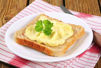 Sandwich bread with butter