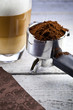 Kaffe tasse auf dem tisch