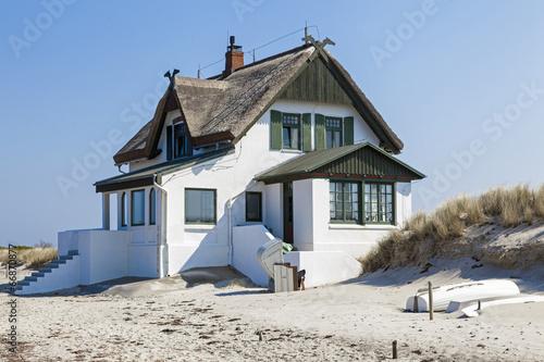 canvas print picture Ferienhaus am Strand der Ostsee in Heiligenhafen,Schleswig-Holst