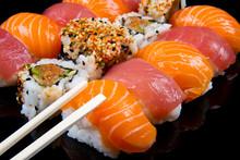 Sushi und Brötchen