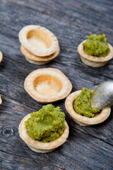 Mini tarts with broccoli puree