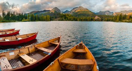 fototapeta Szczyrbskie jezioro Tatry wysokie