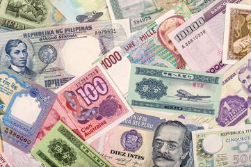 World Coins & Banknotes